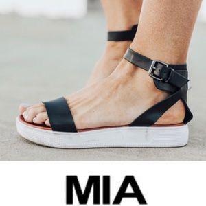 MIA 'Ellen' Platform Sandals